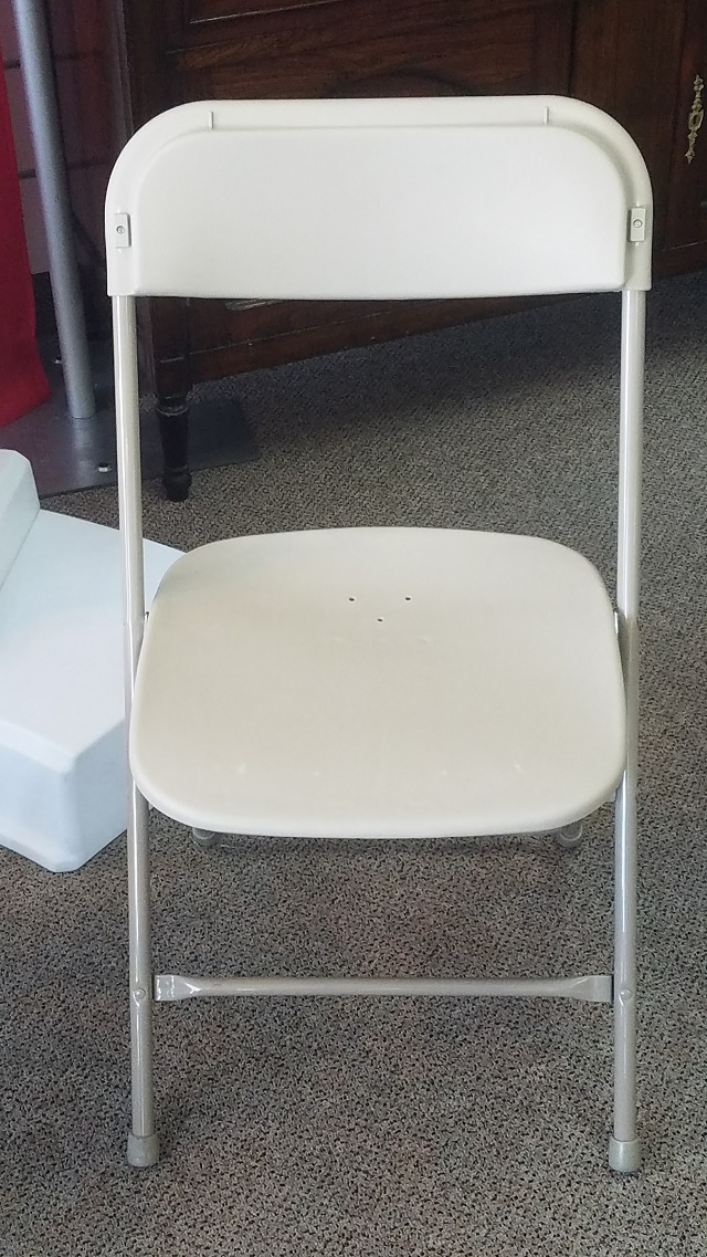 BONE SAMSONITE CHAIR