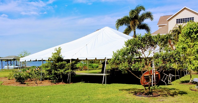 40X40 CALIFORNIA FRAME TENT ON LAKE FRONT