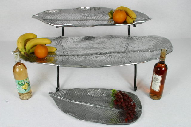Where to find PEWTER LEAF TRAY SET W ST in Winter Haven