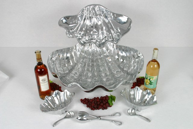 Where to find PEWTER CLAM TRAY SET W  ST in Winter Haven